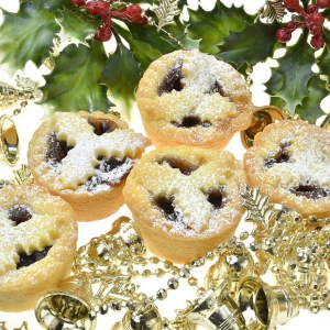 Xmas Pack Mince Pies<br/> Price: $12 ( 6 Pieces )